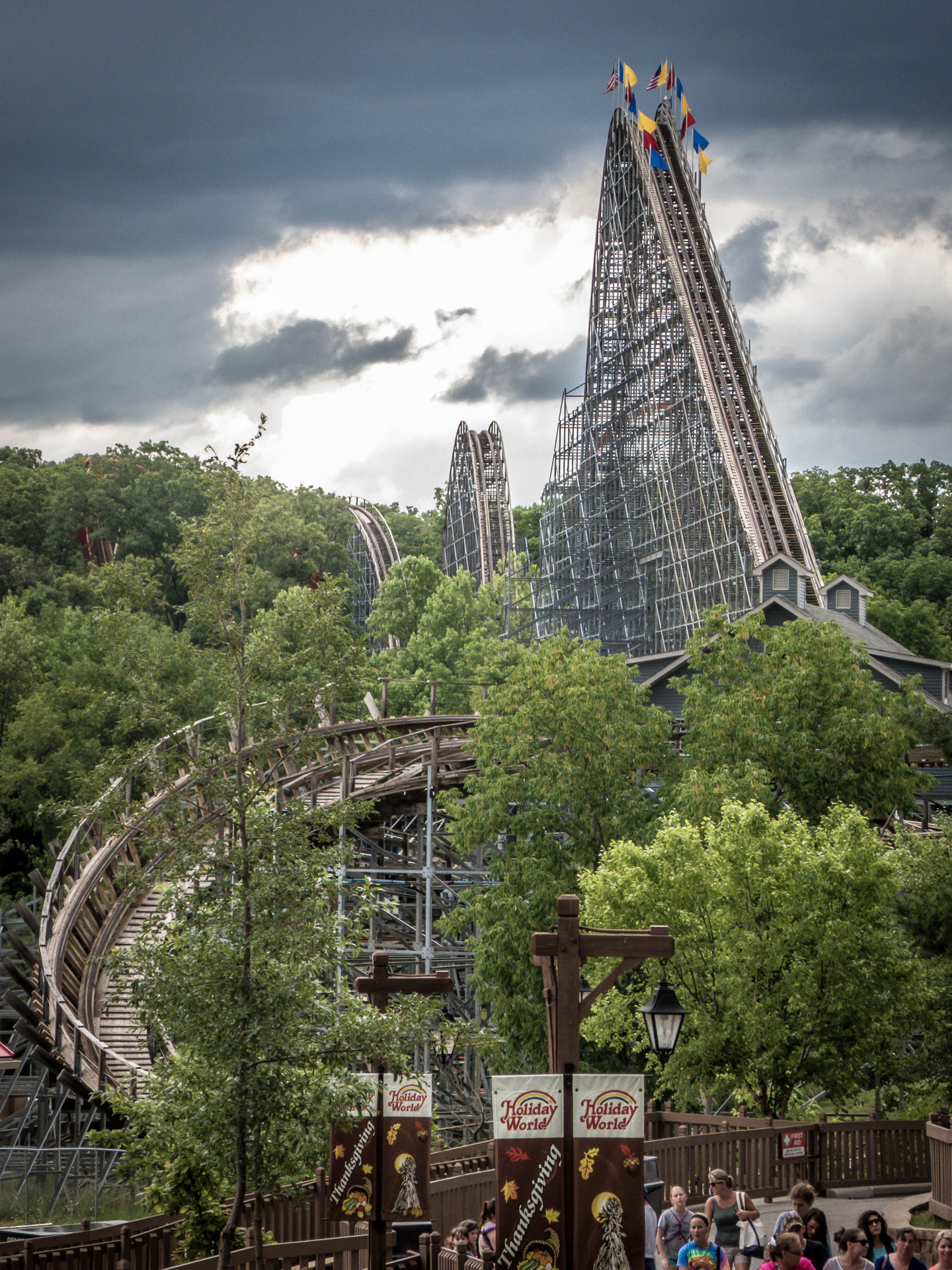 THE GRAVITY GROUP VIDEOS & FACTS - COASTERFORCE