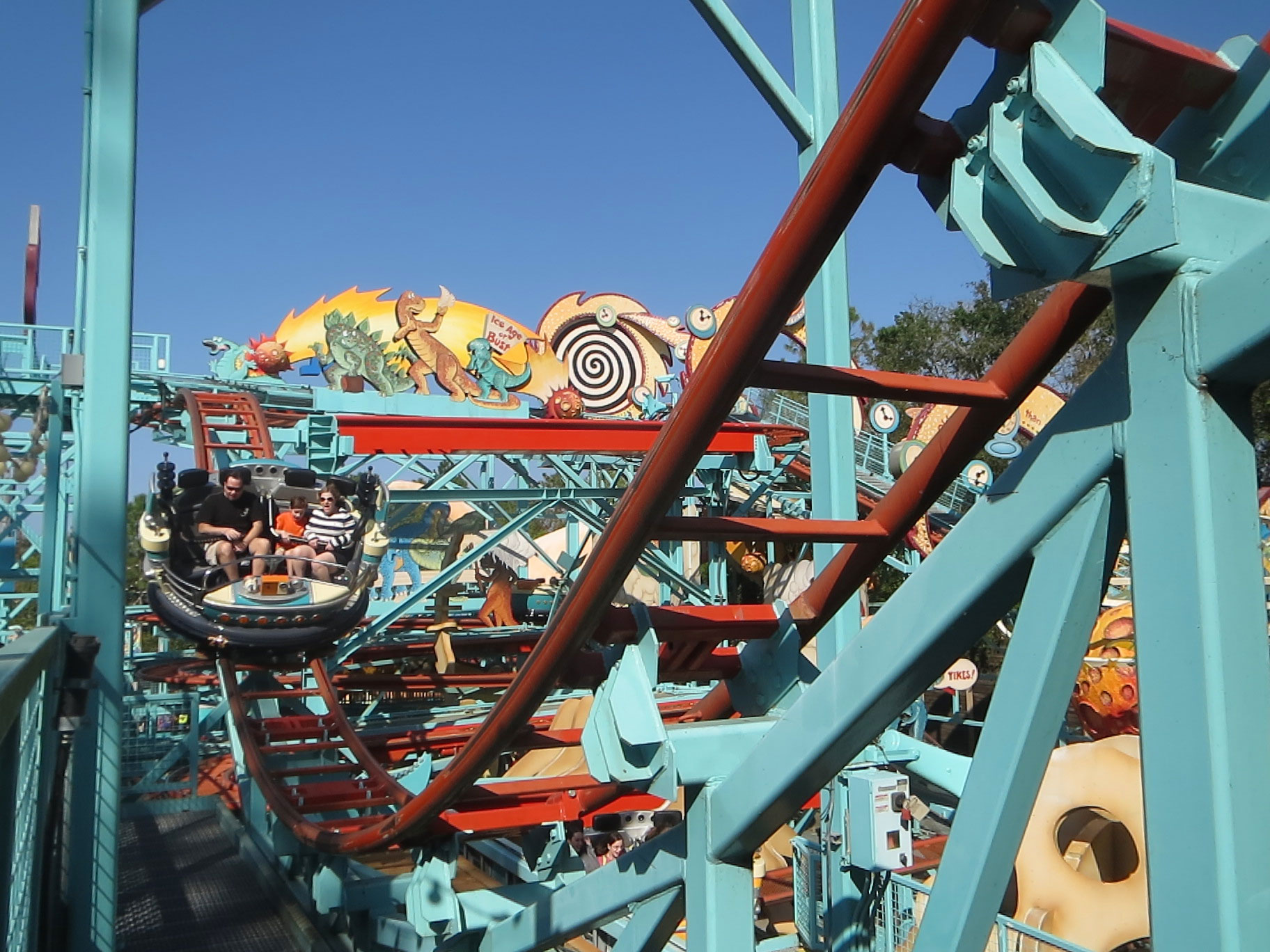 Spinning Coasters Videos Amp Facts Coasterforce